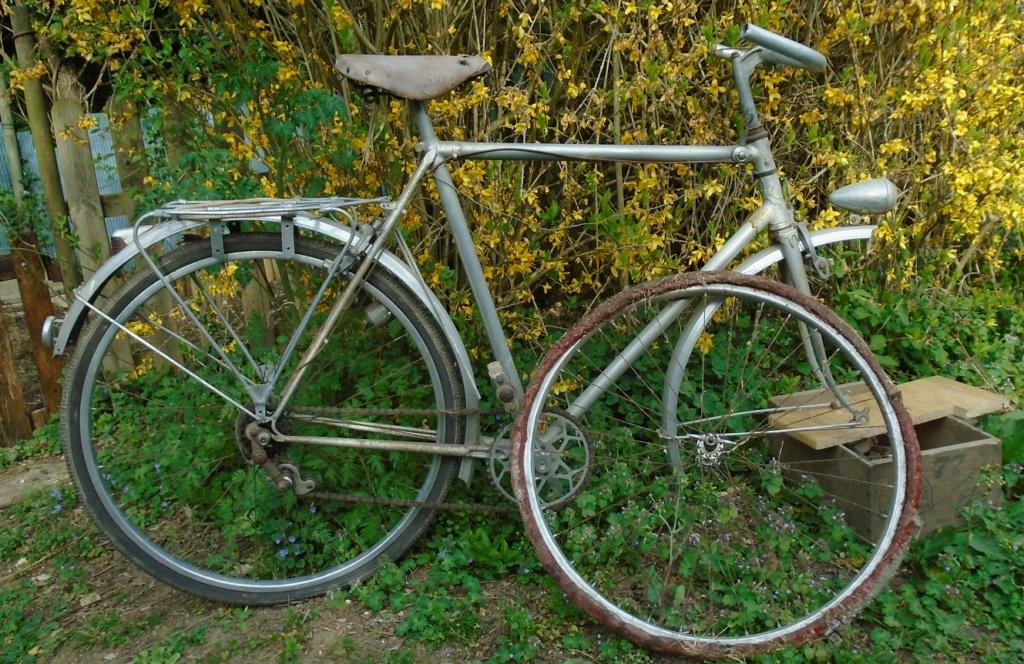 Restauration vélo homme GNOME & RHONE . Dsc00214
