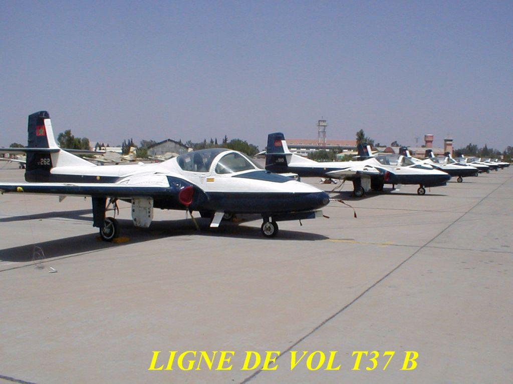 FRA: Photos avions d'entrainement et anti insurrection 5726210