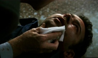 3x01 Lost Son / Disparitions 3x01_110