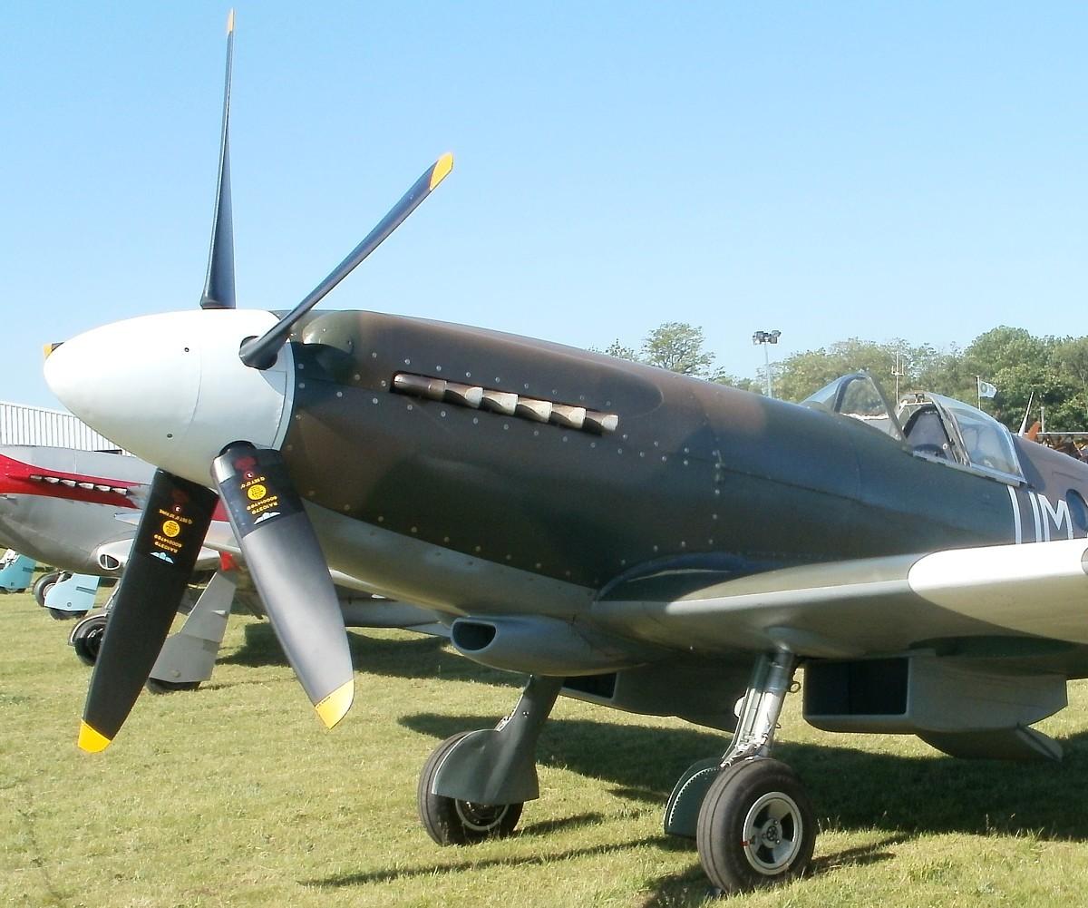 Supermarine Spitfire Mk. XIV de Jean MARIDOR 1944 P5260215