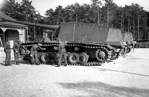 """12.8 cm L/61 """"Sturer Emil"""" 111"""