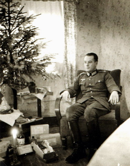 Nazi Christmas !!! 147a10