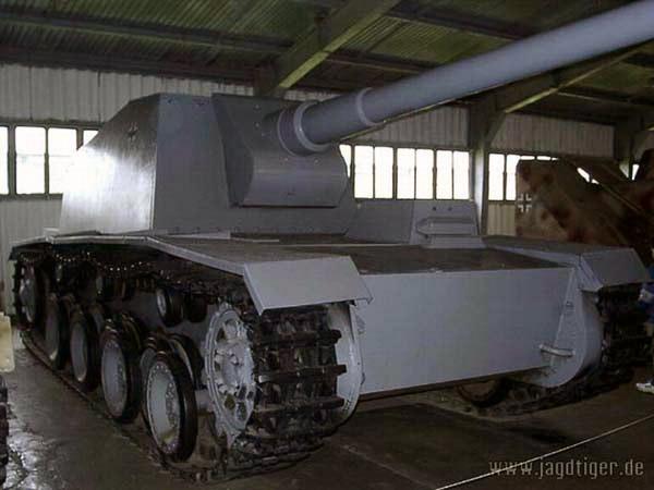 """12.8 cm L/61 """"Sturer Emil"""" 2610"""