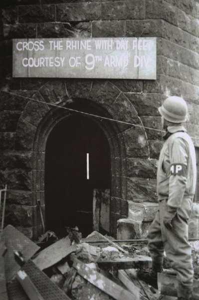 7 mars 1945 - Le pont Ludendorff à Remagen 285610