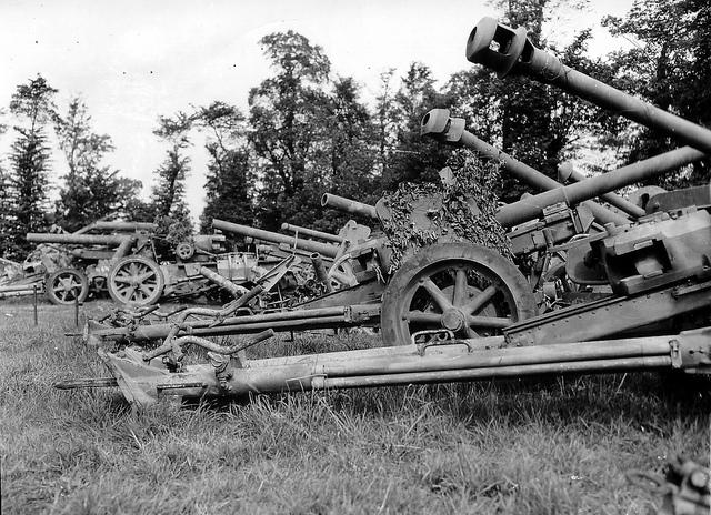 10.5 cm leichte FeldHaubitze 18 67729810