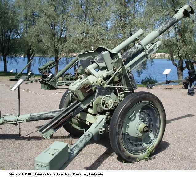 10.5 cm leichte FeldHaubitze 18 800px-25
