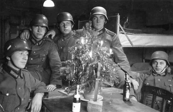 Nazi Christmas !!! 96468610