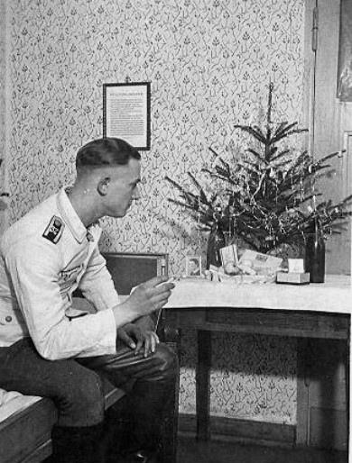 Nazi Christmas !!! 96468611