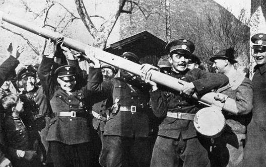 12 mars 1938 - Anschluss de l'Autriche Anschl10