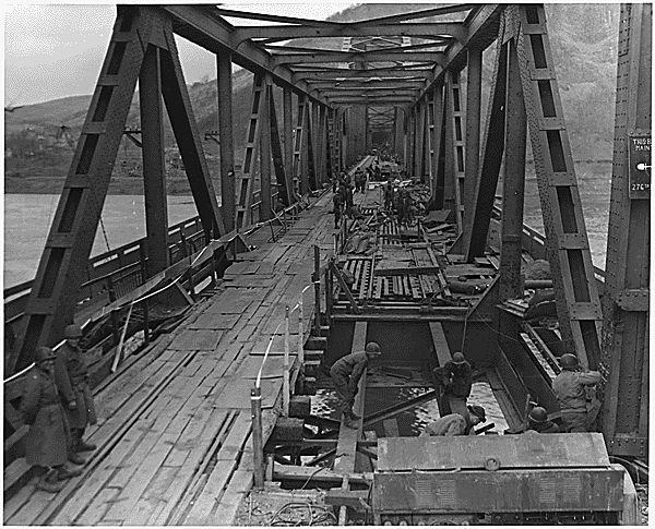 7 mars 1945 - Le pont Ludendorff à Remagen Brueck10