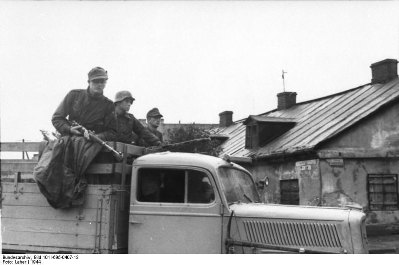 Bundesarchiv - Warschauer Aufstand - Heer aout 1944 Bundes90