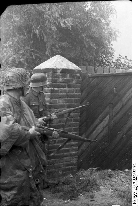 Bundesarchiv - Warschauer Aufstand - Heer aout 1944 Bundes94