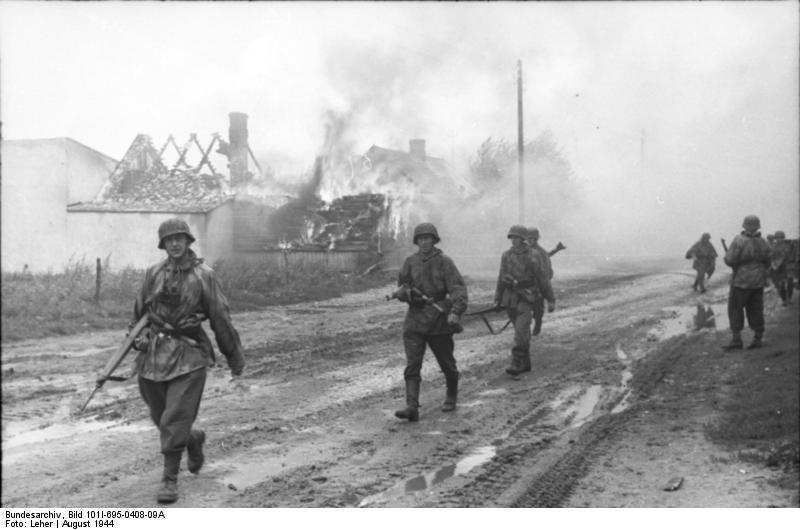 Bundesarchiv - Warschauer Aufstand - Heer aout 1944 Bundes95