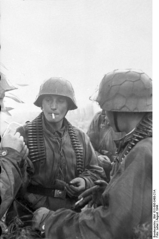 Bundesarchiv - Warschauer Aufstand - Heer aout 1944 Bundes97