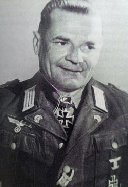 Hans Cramer Cramer11