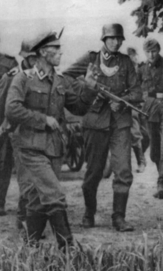 EMP-35 (ErMa Maschinenpistol 1935) Emp_cl10