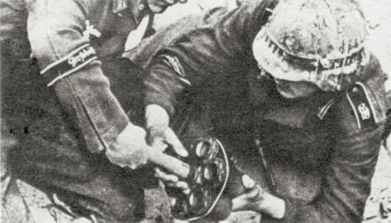 Faisceau de grenades « Geballte Ladung » Grenad10