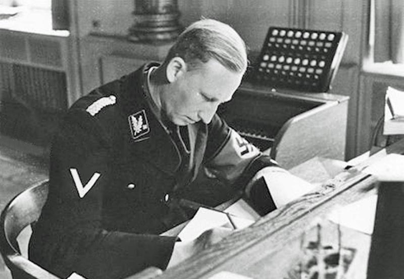 Reinhard Heydrich Heydri11