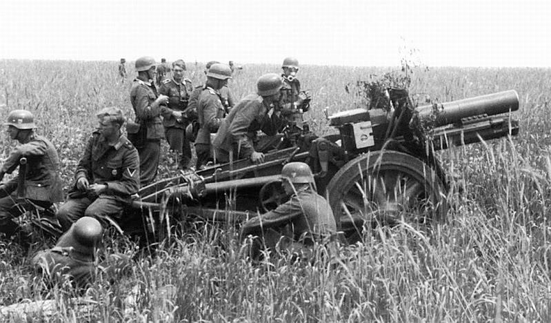 15-cm schwere Infanterie Geschutz 33 Sig-3311