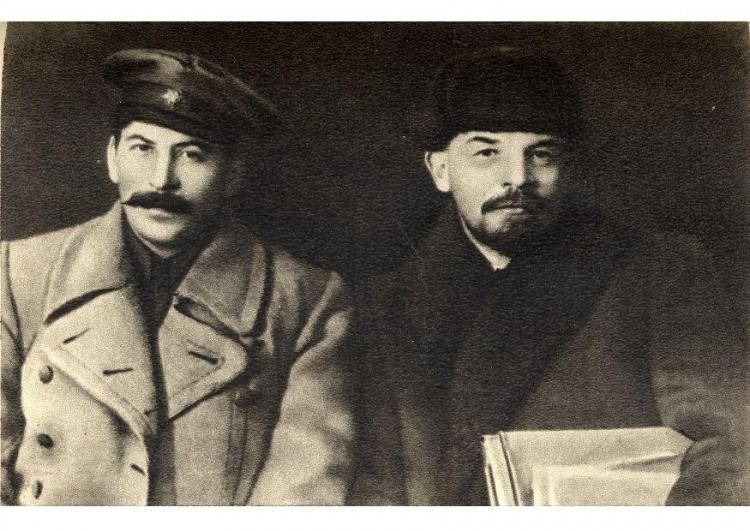 Les régimes  totalitaires des années 30 Stalin10