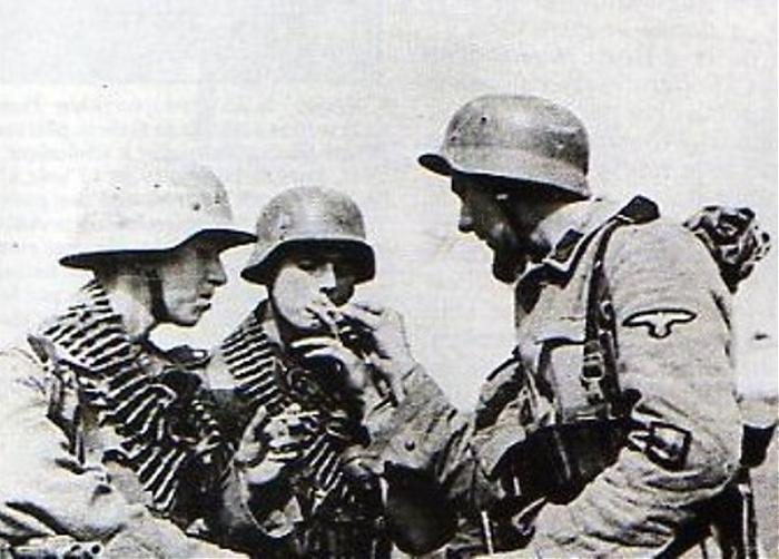 Waffen ss - Uniforme Grenadier Div Charlemagne - Berlin 45 Sturm610