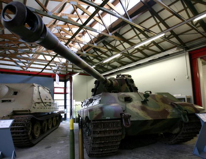 Tiger II  - Munster Museum - DE Tiger210