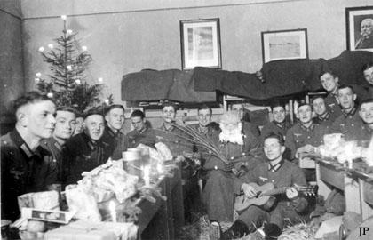 Nazi Christmas !!! Xmas210