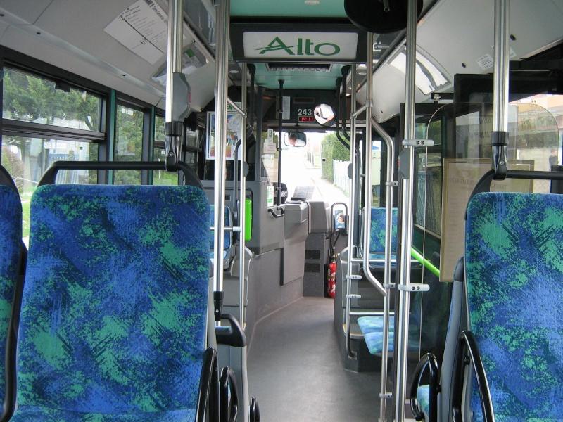 Photos d'intérieur des bus de votre réseau - Page 3 1309_i10