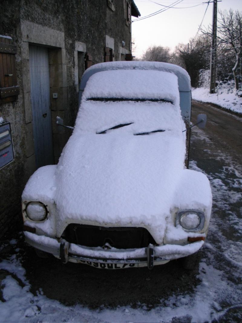 Utilitaire Citroën sous la neige 2cvneg10