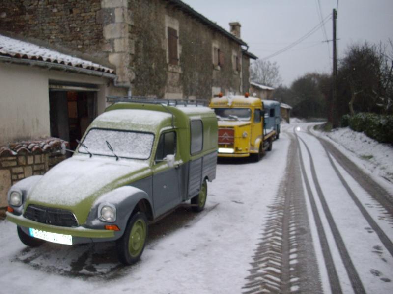Utilitaire Citroën sous la neige Imgp4010