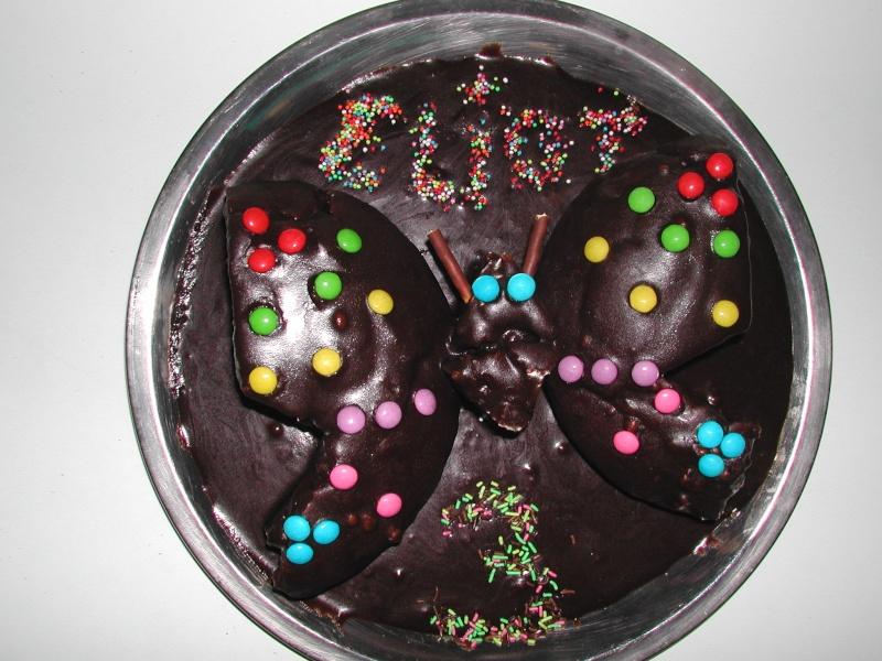 Vos recettes/ trucs pour gâteaux d'anniversaire? Dscn4410