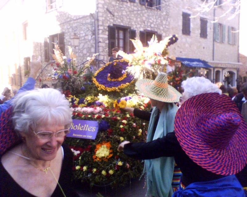 Photos de la fête de la violette (tourette sur loup) 11-03-10