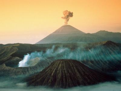 خلفيات للحاسوب : البراكين Volcan10