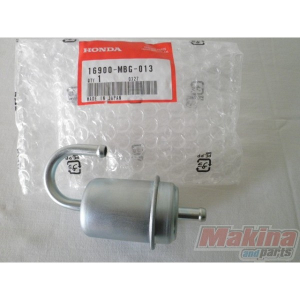 pompe à essence  16900m11