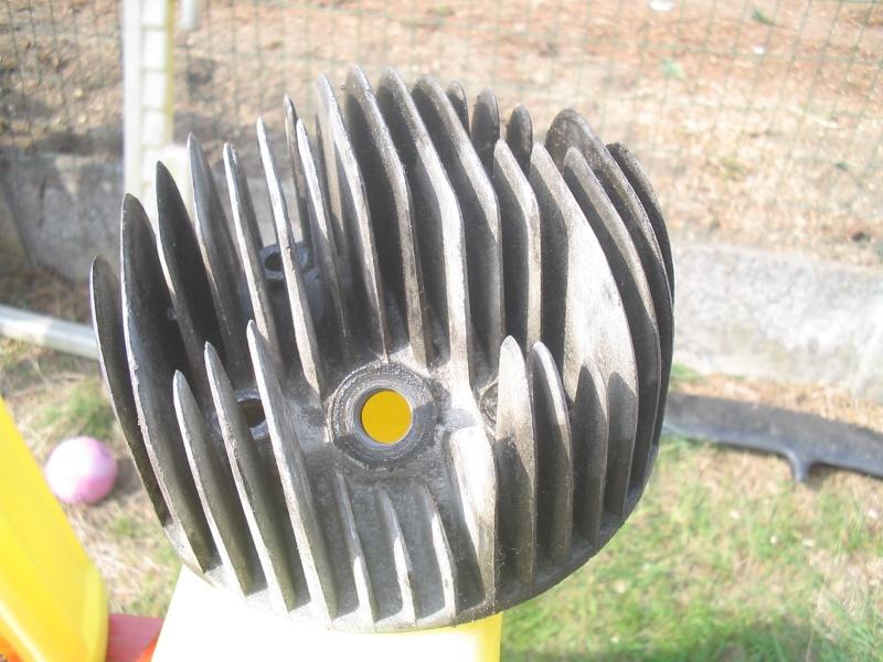 La miniature à moteur... Img_3624