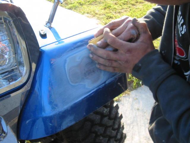 boucher les ailes de nos jeep Carros10