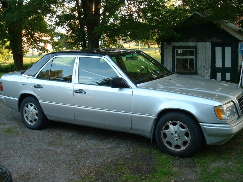 Quelques photos de ma voiture, après mon quart de travail. Dscf0010