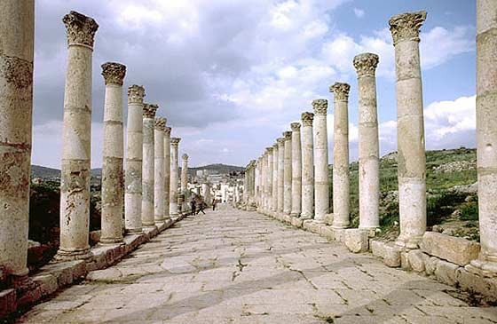 L'AGORA à Jerash (Jordanie) Colonn10
