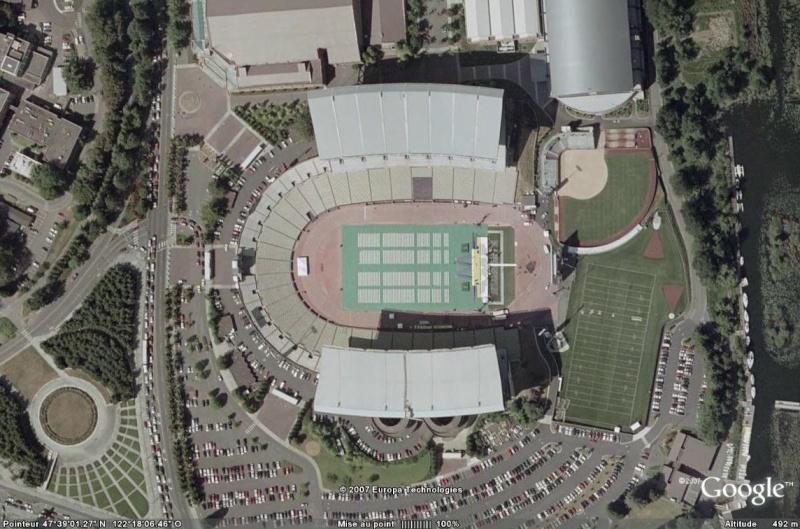 Stades de football américain full ! USA - Page 6 Husky10