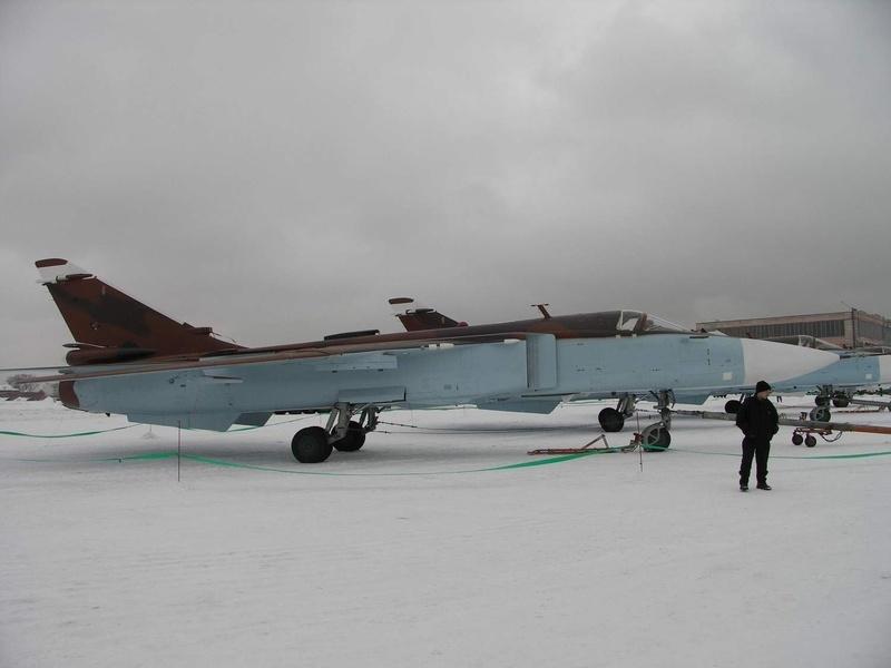 الطائرة المقاتلة المتعددة المهام السو-24  (SU – 24 (Sukhoi Algeri12