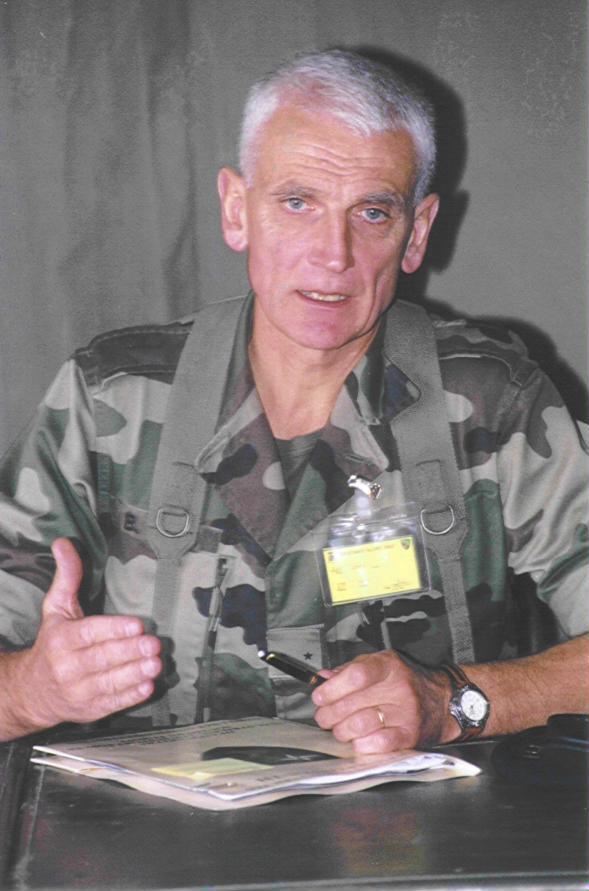 le général Dary prochain gouverneur militaire de Paris Phot1210