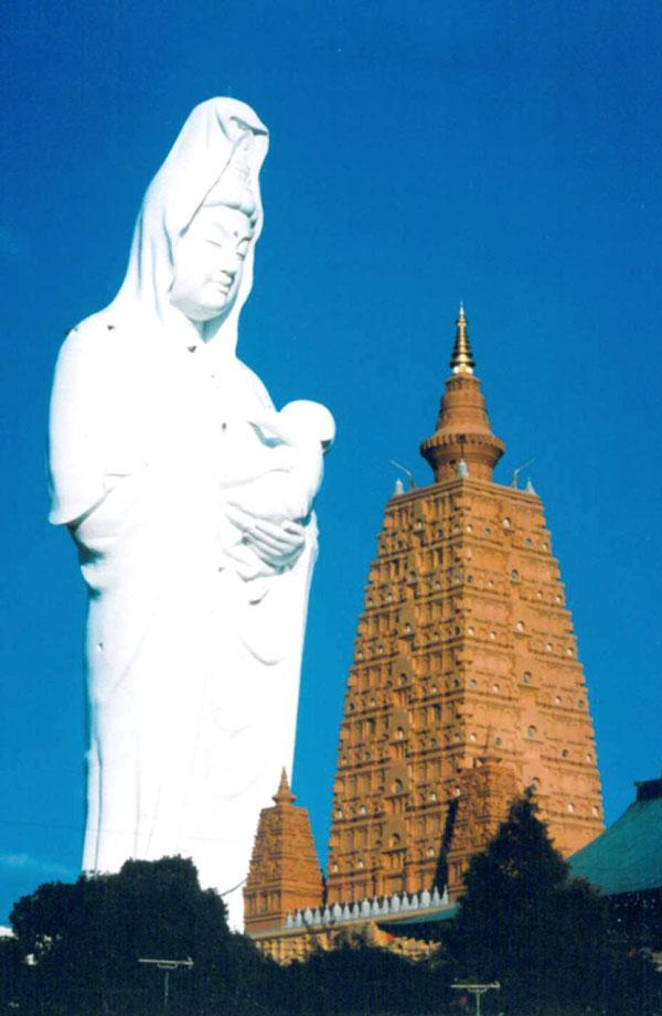 Statues Kannon11