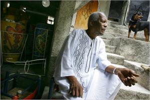 Max Beauvoir chef suprême du vodou haïtien Beauvo10