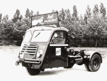 Le Tracteur FAR (le Cheval Mécanique) Far10