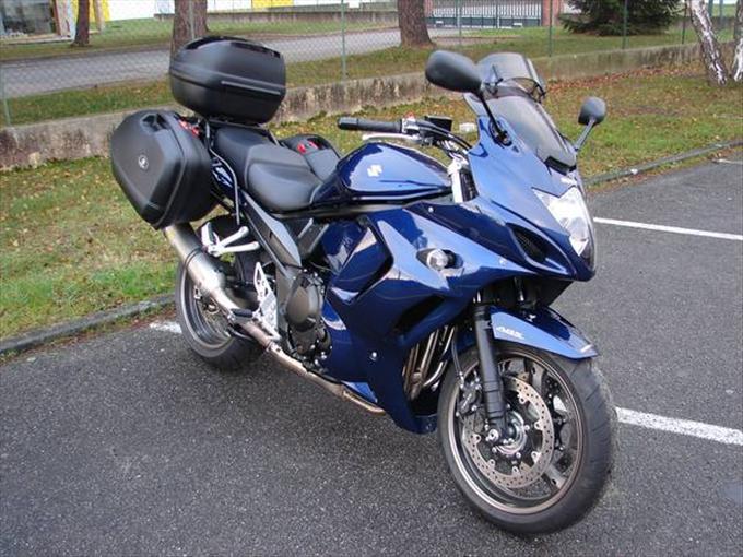 Des motos qui feraient bien des prochaines.... Bandit10