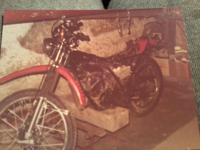 jeune, souvent sans le sou , mais avec ..... une moto !!!! Photo111