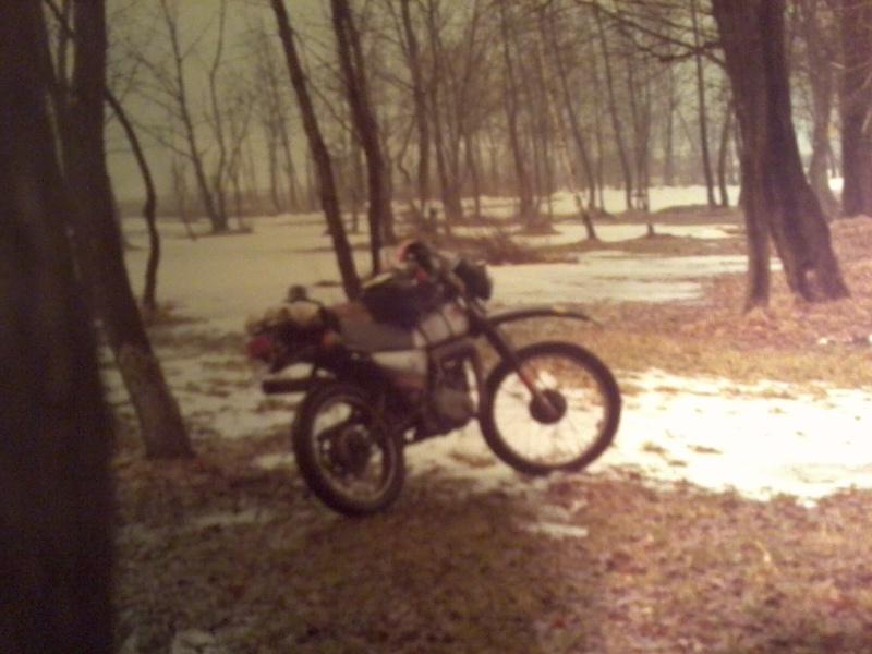 jeune, souvent sans le sou , mais avec ..... une moto !!!! Photo114