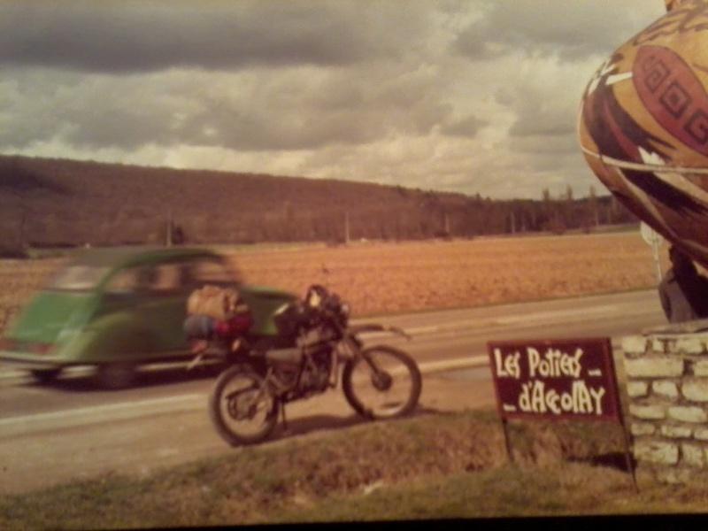 jeune, souvent sans le sou , mais avec ..... une moto !!!! Photo115
