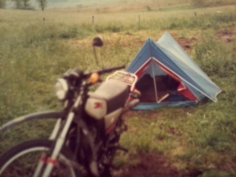 jeune, souvent sans le sou , mais avec ..... une moto !!!! Photo117