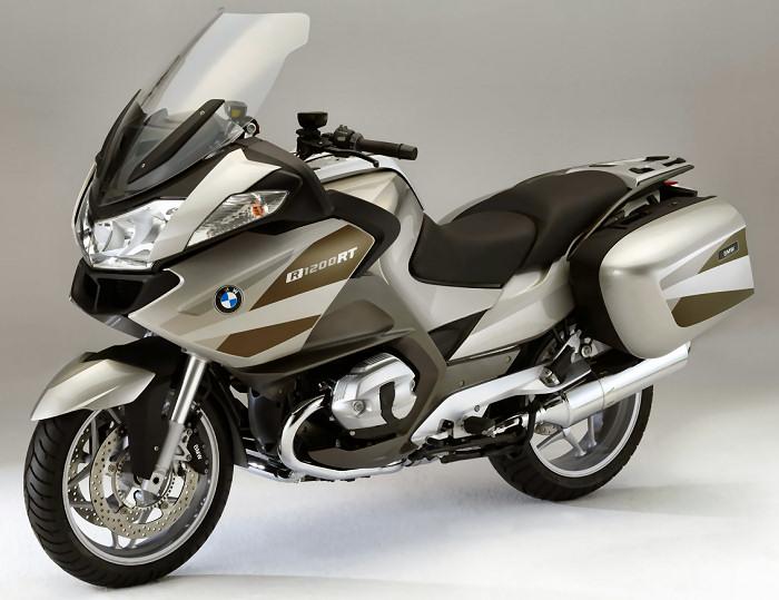 Des motos qui feraient bien des prochaines.... R-120010